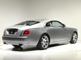 Wraith は Rolls-Royce の中でも走りに重点を置いた車種になりますので、開発時にはニュルブルグリングで走り込んでセッティングしました