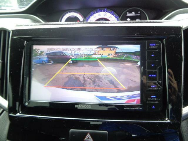 バックカメラ搭載☆ナビと連動して死角となっている車体後部の状況を映し出し、駐車時のサポートをしてくれます♪