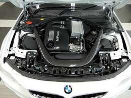 強いパワーを併せ持つ新開発の3L 直列6気筒Mツインパワー・ターボ・エンジン!