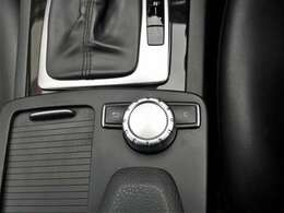 コマンドコントローラーで、車内すべての操作・設定が可能です♪