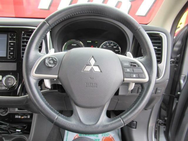■ ハンドル ■ ドライブレコーダー、GPSオービスレーダー、エンジンスターター、ETC、スタッドレスタイヤ&アルミホイールなどの販売取付けも行っております。