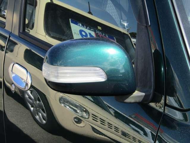 ドアミラーはウインカー内蔵式で対抗車にも視認性に優れています。