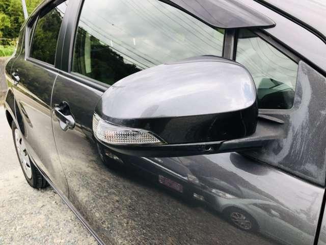 ミラーも電動格納。ミラーに良く駐車の際の傷等ございますが、こちらは傷も無く綺麗な状態です。