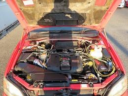 メーカーカタログ引用エンジン型式EJ20 出力260ps(191kW)/6000rpm トルク32.5kg・m(319N・m)/5000rpm 種類水平対向4気筒DOHC16バルブツインターボ