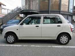 普通乗用車をご購入の際は、車庫証明が必要です。お住いの管轄警察署へ車庫証明の申請をしていただきます(お客様にお願いしております)