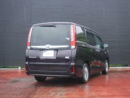 車まるごと本格洗浄!トヨタ高品質Car洗浄「まるまるクリン」を実施。車内を除菌、消臭、シートも外してまる洗い。ボディーもエンジンルームもピカピカです。