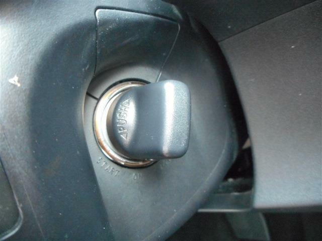 商品を理解して頂く為に、お車のメリットだけではなく、あえてデメリット個所(隠れた傷や小さな凹み)も包み隠すことなくすべて開示した『真心&安心シート』を作成し、嘘・偽りのない正直な商いをしております。
