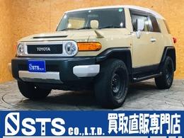 トヨタ FJクルーザー 4.0 オフロードパッケージ 4WD 2トーンベージュ 純正革巻きステアリング