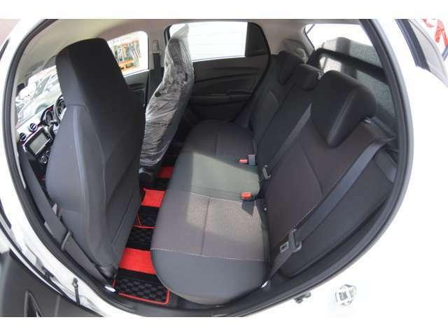ボディーサイズは短く、低く、なのに室内は広く、運転のしやすさと快適性を同時に叶えるパッケージです