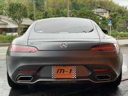GTスーパーカーですが最新の安全装備も充実したモデルです!