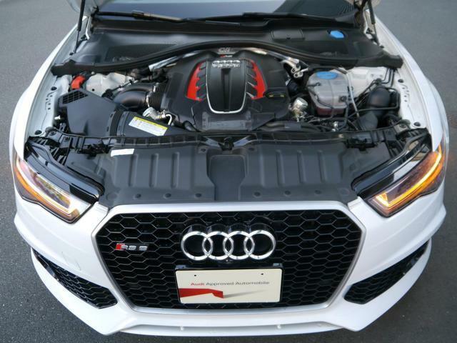 排気量を小さくし燃費とパワーを両立する直噴ターボエンジン。