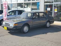 サーブ 900セダン S