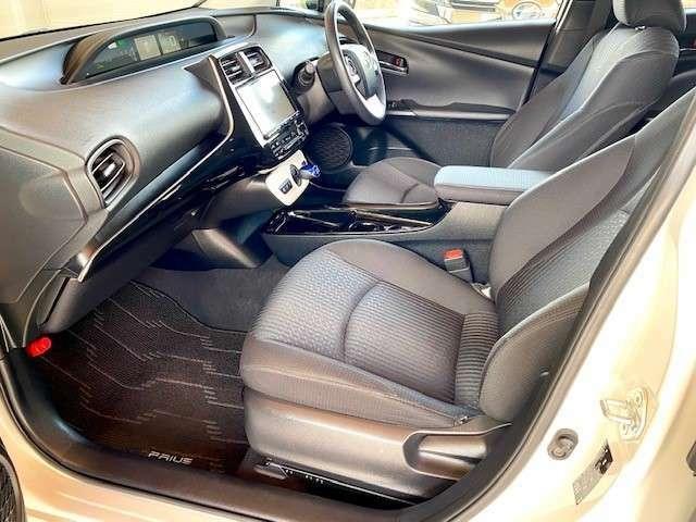 低走行でとても綺麗なシートです。是非ご来店して現車をご確認下さい。同グレード同オプション新車購入参考価格3,300,000円