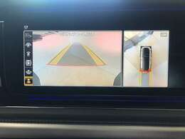360°カメラを使いながらGクラスを駐車出来ます♪