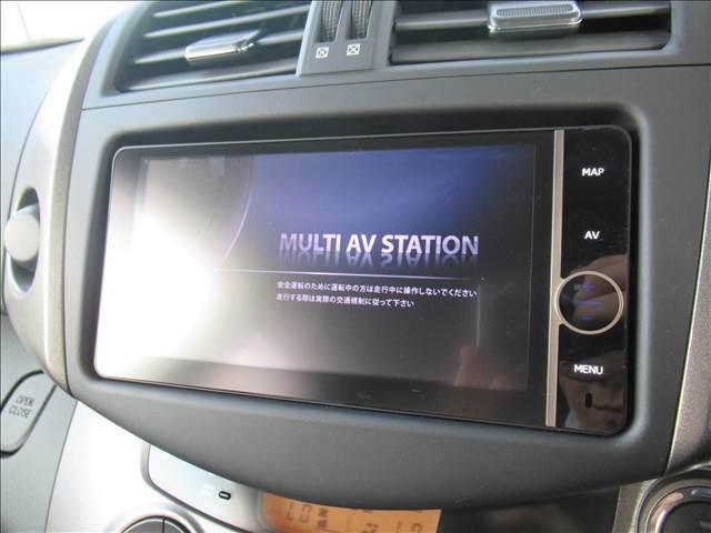 ミュージックサーバーやDVD再生等充実装備。
