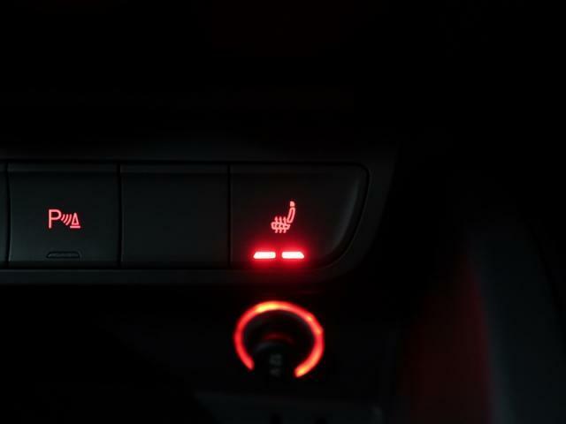 ●シートヒーター『冬場には欠かせない装備!2段階の温度調整が可能で快適にご使用頂けます。ぜひご体感下さい。』
