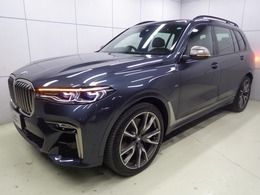 BMW X7 M50i 4WD 22AWウェルネスPKGスカイラウンジパノラマ