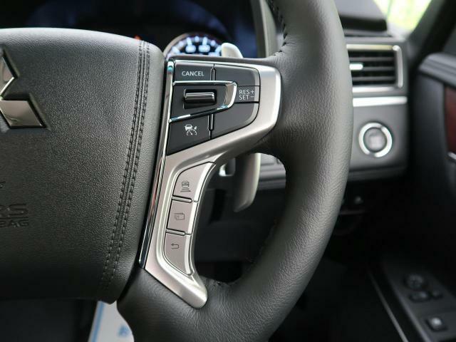 【レーダークルーズコントロール】付☆予め設定した車速内でクルマが加減速。 前走車との適切な車間距離を維持しながら追従走行し、快適な長距離運転を支援。