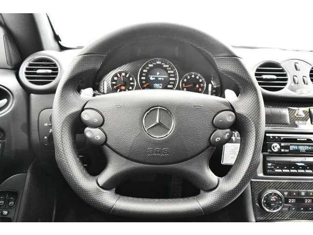 <標準装備>キセノンヘッドライト、ESP(エレクトロニックスタビリティープログラム)、ABS(アンチロックブレーキシステム)、盗難防止警告システム、イモビライザー、キーレス、プッシュエンジンスタート