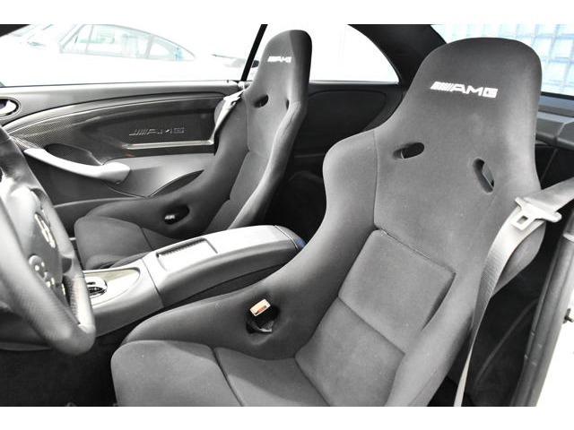 <CLK63 Black Series 専用装備>・AMGパフォーマンスステアリングホイール・AMGスポーツバケットシート・AMGスポーツエキゾーストシステム・AMGブレーキシステム・AMGアジャスタブルコイルスプリングサスペンション