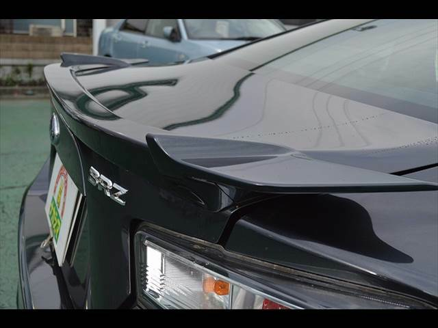 オプション品も多数取扱い。純正ディーラーオプションはもちろん、各メーカーのナビ、オーディオ、アルミホイール、タイヤからお車に関する便利グッズまで多彩なラインナップで皆様のカーライフをお手伝い。