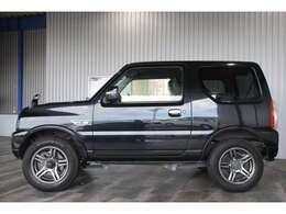 ワンオーナー・ユーザー様買取車・社外CD・キーレス・純正16インチアルミ・ウインカーミラー・黒合皮レザーシート・運転席シートヒーター付です。