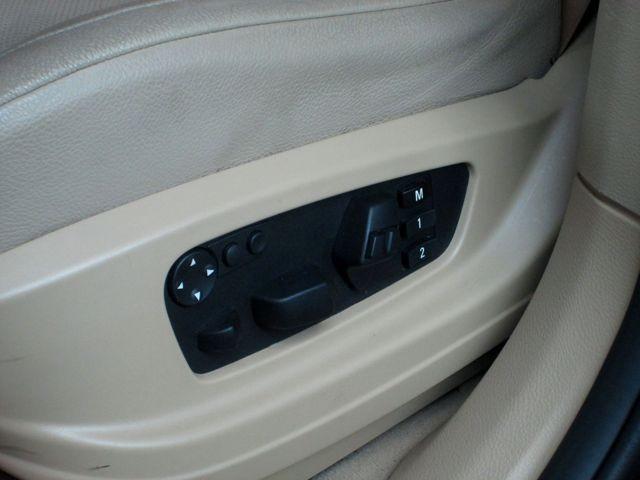 ■バックレストの幅調整・ショルダーサポート調整・サイサポート調整・ランバーサポート調整の調整が出来ます。