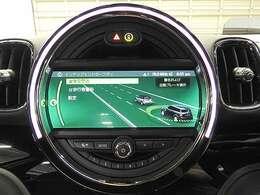 アクティブクルーズコントロール(先行車との車間を維持しながら自動で車速を制御、停止や再加速も自動制御)&ドライビングアシスト(前車接近警告、衝突被害軽減ブレーキ)