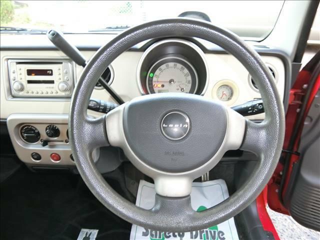 運転席に座るとこのような感じです♪是非一度店頭でご覧ください♪