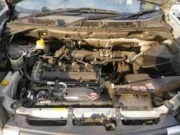 2リッターリッタータイミングチェーン式エンジン。