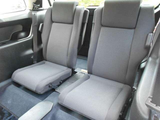 サードシートも使用感がなく綺麗です。