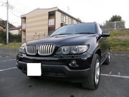 BMW X5 4.4i 4WD サンルーフ 黒本革シート キーレス