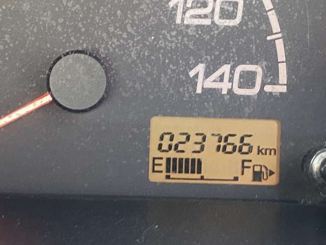 走行距離23千キロとすくないです。