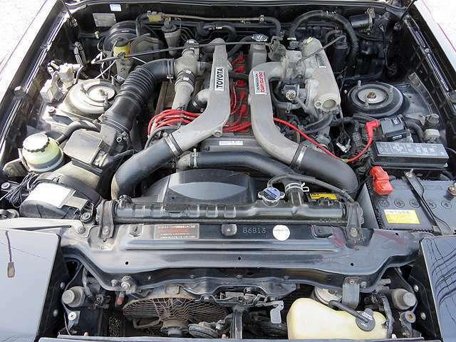 直6気筒DOHCツインカムツインターボエンジン搭載!寿命新品プラグ交換済!タイミングベルト86,800km時交換ステッカー有り。