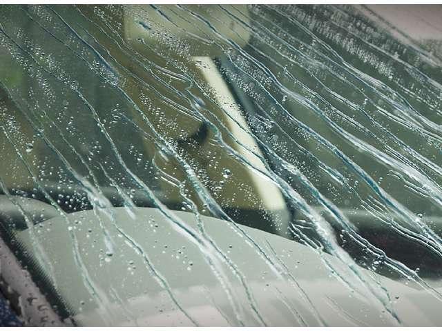 ウィンドウコーティングを、全窓行います。コーティング施工後の窓の水弾きは、雨の日が待ち遠しくなるほどのレベルです。メンテナンスというよりは、常に保つために再施工をオススメ致します。