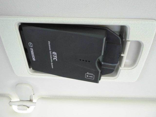 高速料金所で便利なETCがオプションで装着されてます。