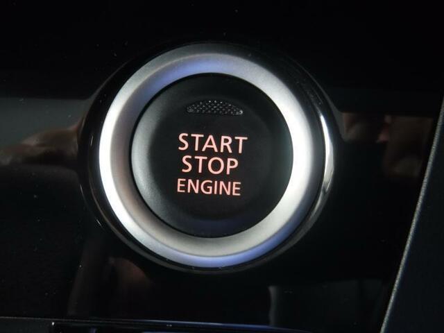 ◇インテリジェントキー 鍵穴にキーを挿す手間なくエンジンの始動もできるので、とてもスムーズです。