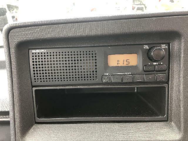 純正オーディオです!スピーカー内蔵ラジオです