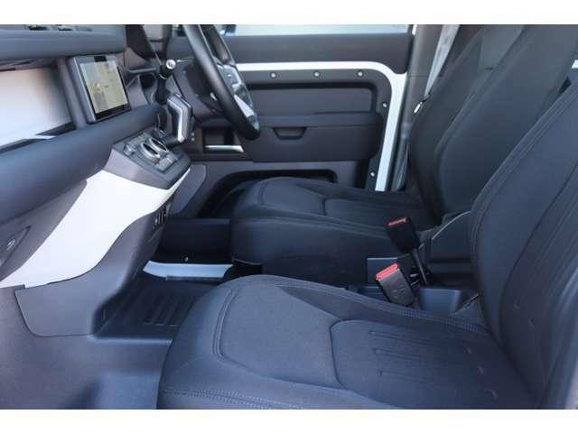 ウォークスルータイプは後部座席への乗り込み、長いものを積むときなどに役立ちます。
