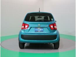 リアスモークガラスが車内のプライバシーを保護します