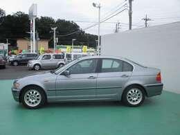 平成16年式BMW320I ディーラー車 右ハンドル 純正16インチアルミホイール