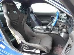 運転席シートは高額モデルのRECARO製フルバケットシート装着。内外装全てに手の加わった一台となり、全国でも希少価値の高い5型タイプRS車両となります。お気軽に047-492-4000まで!