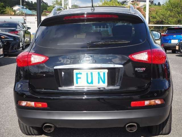 前方のクルマに接近した際に、ドライバーに注意を促すFCW(前方車両接近警報)