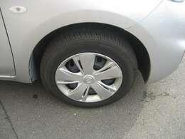 タイヤサイズは145/70R14です