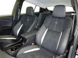 GRスポーツシート・運転席・助手席ともにシートヒーター付です。