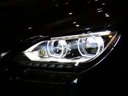広範囲を明るく照射し、視認性を確保するアダプティブLEDヘッドライトを採用!視認性が低下する夜間での視界を向上させ、安全なドライブをサポートします。TEL:045-844-3737