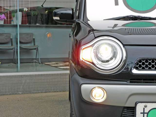 ★HIDライトが搭載されているので鮮明な状態で視界を明るく照らしてくれますので大変便利です!