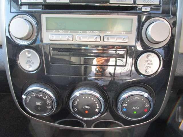 純正オーディオ、風量調節を自動でしてくれるオートエアコン!