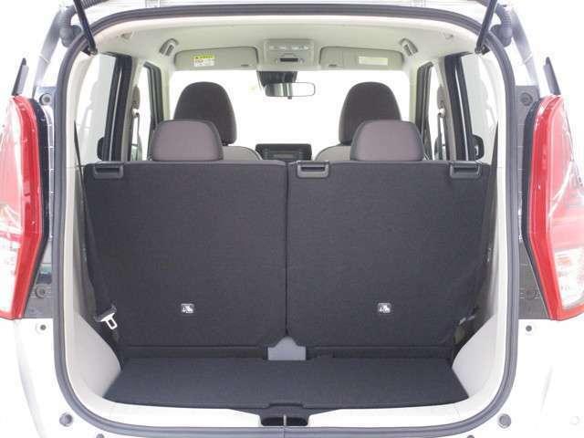 開口部が大きく、荷物の積み下ろしがしやすいラゲッジルームです!