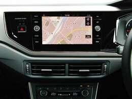 メーカー純正ナビ搭載☆DVD・CD再生、フルセグTV、ミュージックサーバー、Bluetooth等の機能があります。